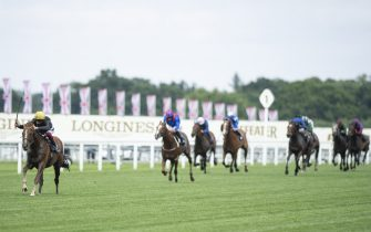 ASCOT, ENGLAND - JUNE 18: Stradivarius ridden by Frankie Dettori heads towards the line to win his third Gold Cup during Day 3 of Royal Ascot at Ascot Racecourse on June 18, 2020 in Ascot, England. (Photo by Edward Whitaker/Pool via Getty Images)