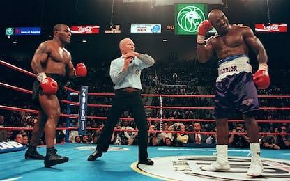 """Tyson story: il """"morso"""" all'orecchio di Holyfield"""