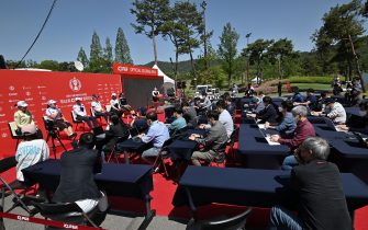 South Korean golfers (L-R) Lee Jeong-eun, Jang Ha-na, Choi Hye-jin, Park Sung-hyun, Kim Sei-young and Cho A-yean attend an outdoor press conference ahead of the 42nd KLPGA Championship at Lakewood Country Club in Yangju, northeast of Seoul, on May 13, 2020. - Leading professional golfers will return to competitive action for the first time in months after the coronavirus shutdown when three of the world's top 10 women tee off in South Korea on May 14. (Photo by Jung Yeon-je / AFP) (Photo by JUNG YEON-JE/AFP via Getty Images)