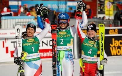 Slalom Kranjska Gora, vince Vlhova. Out Brignone