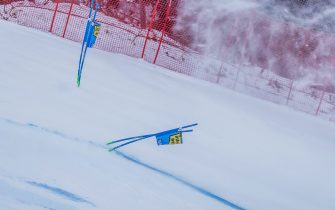 Wind blows snow over a slope after the first run of the FIS Alpine Ski Women's Giant Slalom World Cup event in Semmering, Austria, on December 28, 2020. - The Alpine Skiing World Cup in Semmering, whose first run was contested in the morning, was called off due to the wind blowing over the Austrian resort, the International Ski Federation (FIS) announced on December 28. (Photo by Dominik ANGERER / APA / AFP) / Austria OUT (Photo by DOMINIK ANGERER/APA/AFP via Getty Images)