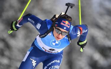 Dorothea WIERER (ITA), action, single image, trimmed single motif, half figure, half figure. IBU Biathlon World Cup in Hochfilzen 7.5 km women's sprint on December 11th, 2020 in Hochfilzen / Pillersee, season 2020/21. | usage worldwide