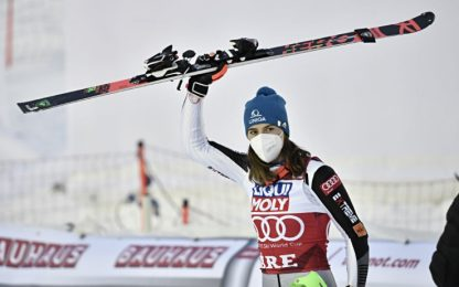 Vlhova vince slalom Are: nuova leader in generale
