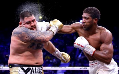 Joshua batte Ruiz e ritorna campione dei massimi
