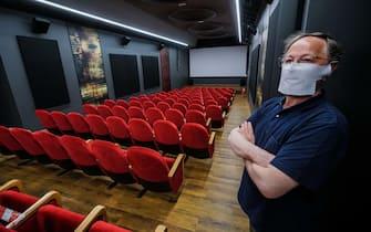 Coronavirus fase due. Flash mob al cinema Centrale  con insegne e luci accese in occasione del David di Donatello. Torino 08 maggio 2020 ANSA/TINO ROMANO