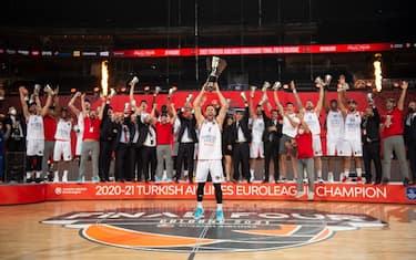 eurolega_2021_efes_campione_twitter (1)