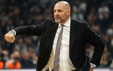 BELGRADE, SERBIA - JANUARY 08: Head coach Aleksandar Djordjevic of Virtus Bologna reacts during the 2019/2020 EuroCup Top 16 Season match between KK Partizan and Segafredo Virtus Bologna at Stark Arena on January 8, 2020 in Belgrade, Serbia. (Photo by Srdjan Stevanovic/Getty Images)
