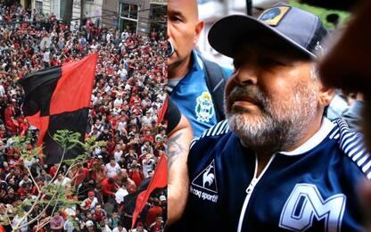 Maradona torna a Rosario, l'accoglienza dei tifosi