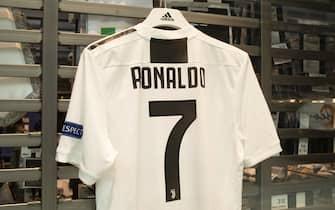 Juventus, boom di vendite per la maglia numero 7 di Cristiano Ro