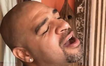 Adriano canta 'Imbranato' di Tiziano Ferro. VIDEO