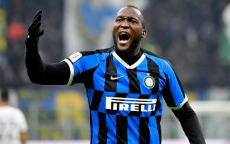 MILAN, ITALY - JANUARY 14: Romelu Lukaku of FC Internazionale Milano celebrates 1-0 during the Italian Serie A   match between Internazionale v Cagliari Calcio at the San Siro on January 14, 2020 in Milan Italy (Photo by Mattia Ozbot/Soccrates/Getty Images)