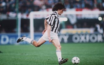1 JAN 1995:  ALESSANDRO DEL PIERO  OF THE ITALIAN  ''A'' LEAGUE''S  JUVENTUS KICKS THE BALL UPFIELD DURING THEIR 2-0 WIN OVER MILAN. Mandatory Credit: ALLSPORT/ALLSPORT