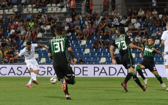 REGGIO NELL'EMILIA, ITALY - SEPTEMBER 23:  Francesco Caputo of Empoli scores the opening goal during the serie A match between US Sassuolo and Empoli at Mapei Stadium - Citta' del Tricolore on September 23, 2018 in Reggio nell'Emilia, Italy.  (Photo by Tullio M. Puglia/Getty Images)