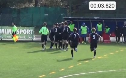 "Da centrocampo e dopo 3"": gol incredibile. VIDEO"