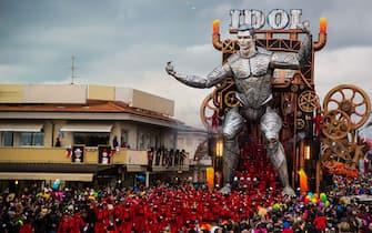 Carnevale di Viareggio, Miss Italia illumina la seconda sfilata