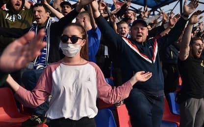 La Bielorussia non si ferma: si gioca con i tifosi