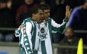 26 Nov 2000:  Ailton (left/Scorer) and Claudio Pizarro (right) of SV Werder Bremen celebrate scoring a goal during the Bundesliga match between SV Werder Bremen and VfB Stuttgart played at the Weser Stadium in Bremen. Mandatory Credit: Allsport UK/ALLSPORT