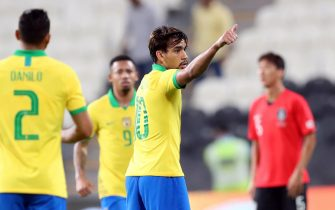 epa08008453 Lucas Paqueta (2-R) of Brazil celebrates after scoring the 1-0 lead during the International Friendly soccer match between Brazil and South Korea in Abu Dhabi, United Arab Emirates, 19 November 2019.  EPA/ALI HAIDER