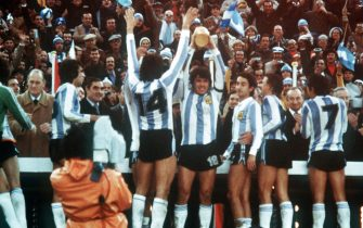©DPA/LAPRESSE25-06-1978 BUENOS AIRESSPORT CALCIOMONDIALI DI CALCIO IN ARGENTINAARGENTINA-OLANDA 3:1NELLA FOTO: ARGENTINA CAMPIONE DEL MONDO