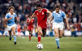 MUNICH, GERMANY - MAY 30:  Nottingham Forest player Trevor Francis (c) races through the Malmo defence during the 1979 European Cup Final between Malmo and Nottingham Forest at the Olympic Stadium on May 30, 1979 in Munich, Germany. (Photo by Allsport/Getty Images)