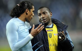 FOOTBALL - FRENCH CHAMPIONSHIP 2009/2010 - L1 - FC SOCHAUX v OLYMPIQUE MARSEILLE - 14/04/2010 - PHOTO GUILLAUME RAMON / DPPI -BRANDAO (MARSEILLE) AND MAMADOU NIANG (MARSEILLE)