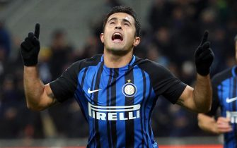 Inter's Eder jubilates after scoring the goal during the Italian Serie A soccer match Inter FC vs FC Crotone at Giuseppe Meazza stadium in Milan, Italy, 03 February 2018.ANSA/MATTEO BAZZI