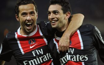 epa03059849 Javier Pastore (R) of Paris Saint-Germain celebrates with his teammate Nene (L)after scoring the 2-0 lead against Toulouse FC during the French Ligue 1 soccer match in Paris, France, 14 January 2012. PSG won 3-1.  EPA/YOAN VALAT