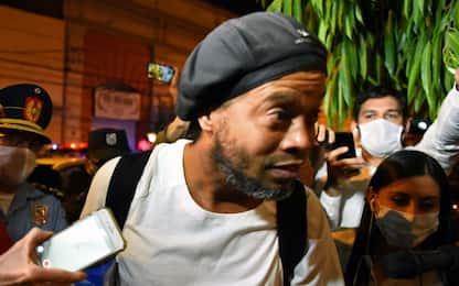 """Ronaldinho: """"Calcio e autografi anche in carcere"""""""