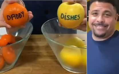 Sorteggio sfortunato: Ronaldo lava i piatti! VIDEO
