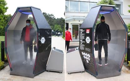 Besiktas, una cabina disinfettante contro il virus