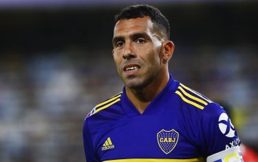BUENOS AIRES, ARGENTINA - JANUARY 26: Carlos Tevez of Boca Juniors looks on during a match between Boca Juniors and Independiente as part of Superliga 2019/20 at Alberto J. Armando Stadium on January 26, 2020 in Buenos Aires, Argentina. (Photo by Marcos Brindicci/Getty Images)
