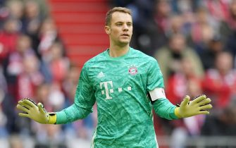 epa07897951 Bayern's goalkeeper Manuel Neuer reacts during the German Bundesliga soccer match between FC Bayern Munich and TSG 1899 Hoffenheim in Munich, Germany, 05 October 2019.  EPA/RONALD WITTEK CONDITIONS - ATTENTION: The DFL regulations prohibit any use of photographs as image sequences and/or quasi-video.