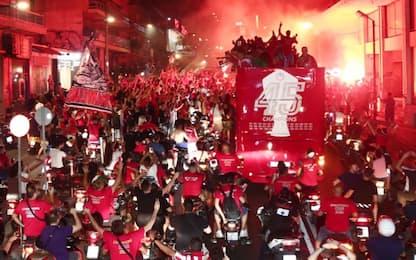Olympiacos campione, i tifosi si scatenano. VIDEO