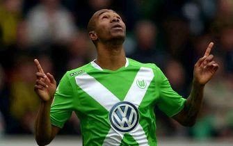 epa04751455 Wolfsburg's Naldo cheers after scoring the 2-1 during the German Bundesliga soccer match between VfL Wolfsburg and Borussia Dortmund in Wolfsburg, Germany, 16 May 2015.
