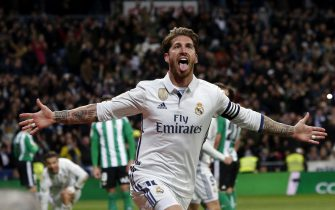 epa05845041 Real Madrid's defender Sergio Ramos celebrates after scoring the 2-1 goal during the Spanish Primera Division soccer match between Real Madrid and Real Betis at Santiago Bernabeu stadium in Madrid, Spain, 12 March 2017.  EPA/J.J. GUILLEN