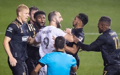 Higuain, esordio horror in MLS: rigore sbagliato