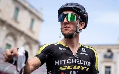 Simon Yates positivo al Covid: lascia il Giro