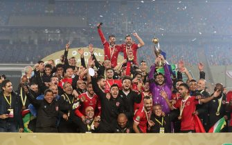 epa08847246 Al-Ahly players celebrate winning the CAF Champions League final soccer match Zamalek vs Al-Ahly at Cairo International Stadium in Cairo, Egypt, 27 November 2020.  EPA/KHALED ELFIQI