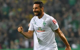 epa07767036 Bremen's Claudio Pizarro celebrates scoring a goal during the German DFB Cup 1st round match between Atlas Delmenhorst and SV Werder Bremen in Bremen, Germany, 10 August 2019.  EPA/DAVID HECKER CONDITIONS - ATTENTION: The DFB regulations prohibit any use of photographs as image sequences and/or quasi-video.