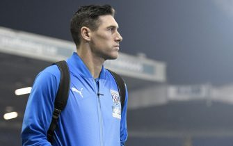 LEEDS, ENGLAND - MARCH 01: Gareth Barry of West Bromwich Albion arrives ahead of the Sky Bet Championship between Leeds United and West Bromwich Albion at Elland Road on March 01, 2019 in Leeds, England. (Photo by George Wood/Getty Images)