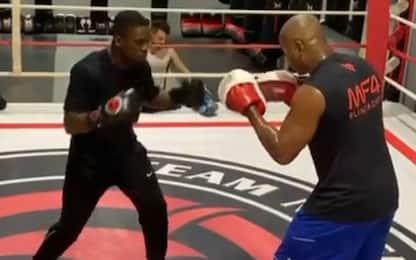 Seedorf cambia sport: a lezione di boxe. VIDEO