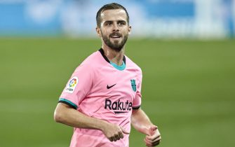 Miralem Pjanic of FC Barcelona during the La Liga match between Deportivo Alaves v FC Barcelona played at Mendizorroza  Stadium on October 31, 2020 in Vitoria, Spain.(Photo by Ion Alcoba/PRESSINPHOTO)