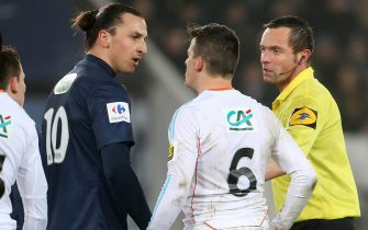 PARIS, FRANCE - FEBRUARY 27: Zlatan Ibrahimovic of PSG  argues with Joey Barton of OM during the French Cup match between Paris Saint Germain FC and Olympique de Marseille OM at the Parc des Princes stadium on February 27, 2013 in Paris, France. (Photo by John Berry/Getty Images)