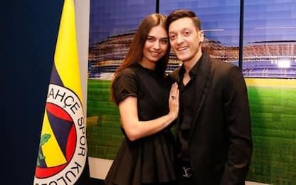 "Ozil ""torna"" al Fenerbahçe: presentazione da star"