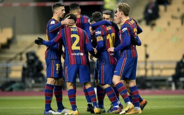 Antoine Griezmann of FC Barcelona celebrates his goal with his teammates during the Spain Super Cup Final between FC Barcelona and Athletic Club played at Olímpico de La Cartuja Stadium on January 17, 2021 in Sevilla, Spain. (Photo by PRESSINPHOTO)