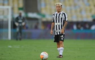 Yéferson Soteldo do Santos durante a partida entre Palmeiras e Santos, pela final da Libertadores 2020, no Estádio do Maracanã, neste sábado 30. / PRESSINPHOTO