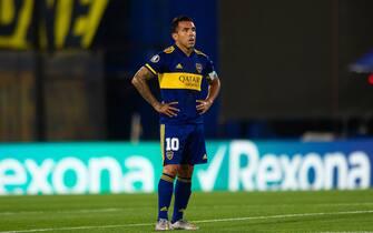 Carlitos Tévez do Boca Juniors durante a partida entre Boca Juniors e Internacional, pela partida de volta das oitavas de finais da Libertadores 2020, no Estádio La Bombonera nesta quarta-feira 09. / PRESSINPHOTO