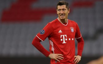 epa08763707 Robert Lewandowski of FC Bayern Munich reacts during the UEFA Champions League Group A stage match between FC Bayern Munich and Atletico Madrid at Allianz Arena in Munich, Germany, 21 October 2020.  EPA/Alexander Hassenstein / POOL