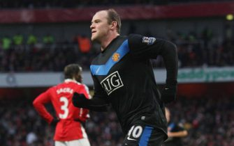 LONDON, ENGLAND - JANUARY 31: Wayne Rooney of Manchester United celebrates scoring their second goal during the FA Barclays Premier League match between Arsenal and Manchester United at The Emirates Stadium on January 31 2010 in London, England. (Photo by John Peters/Manchester United via Getty Images)