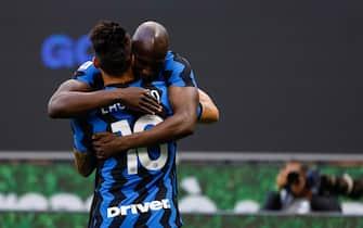 Romelu Lukaku (FC Internazionale) celebrates with Lautaro Martinez (FC Internazionale) after scoring the opener